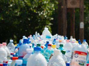 Suomalainen teknologia mullisti mustan muovin kierrätyksen